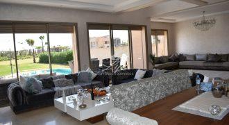 Marrakech route d'Amezmiz villa à vendre