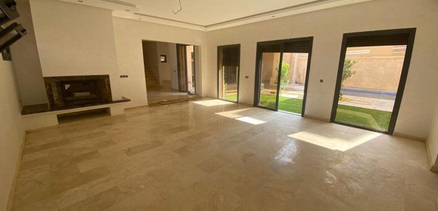 Superbe villa à louer à Marrakech Bab Ighli 5 grandes pièce