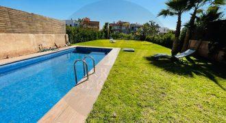 Villa moderne à vendre à Marrakech dans un domaine Golfique