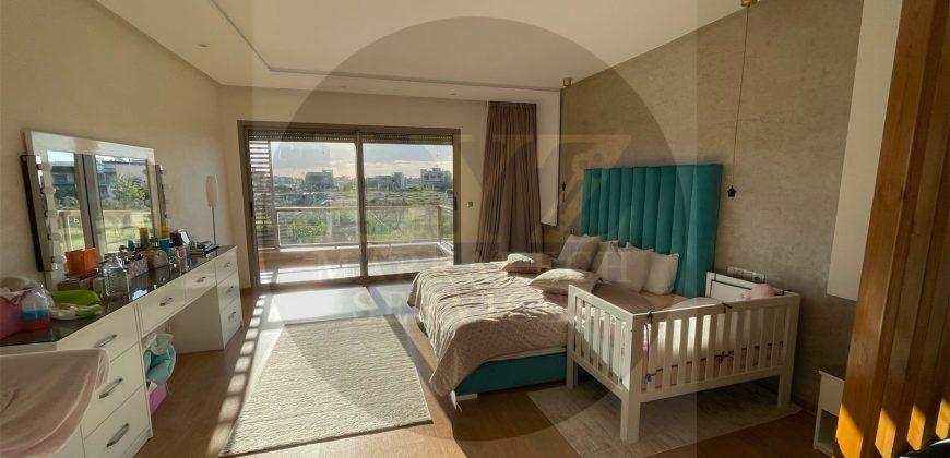 Maison à vendre à Marrakech route Amizmiz dans un domaine Golfique