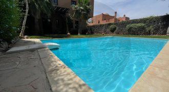 Maison de luxe à vendre à Route Casablanca de 545 m²