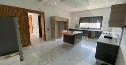 Villa contemporaine à vendre à Route Amizmiz golf